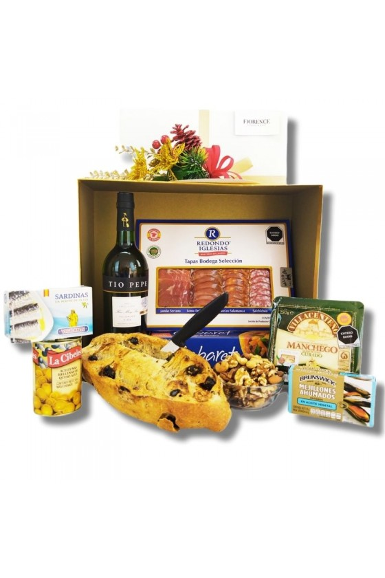 Gourmet Jerez Tio Pepe basket with cheeses and more